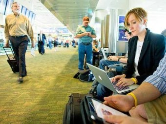 wifi-airport-travel-computer